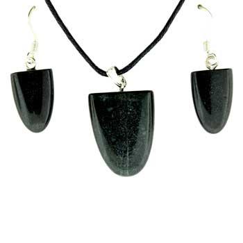 Black Stone Tongue Pendants & Earrings